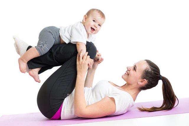 10 Brincadeiras divertidas para entreter o seu bebê