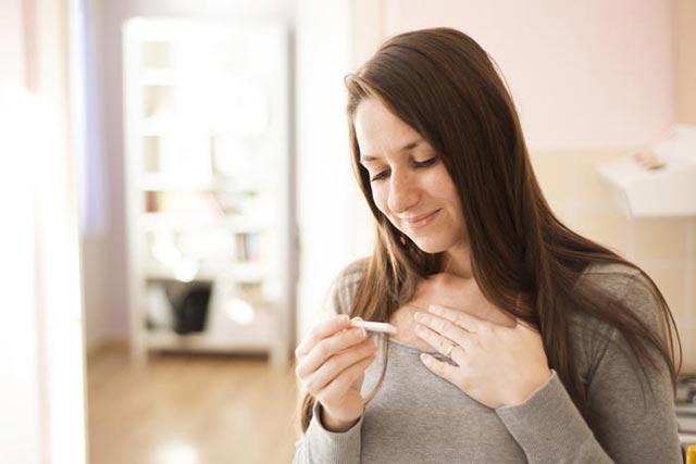 Como saber se estou grávida: os 10 principais sintomas