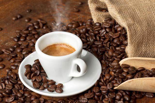 Café ou chá desidrata?